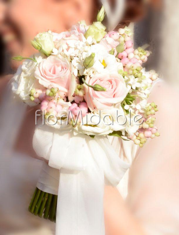 Bouquet Sposa Lisianthus E Rose.Elegant Selection Of Exquisite Bridal Bouquets Flormidable Com