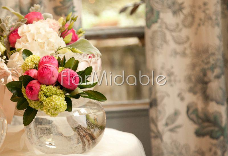 Fuchsia wedding: photos of bridal bouquets and wedding flowers ...